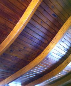 גג מעץ גושני