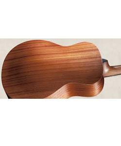 גיטרה מעץ מהגוני